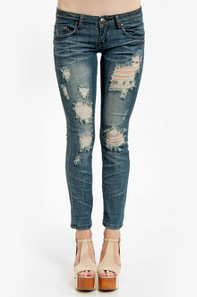 Tobi Destroyed Cropped Jeans in Dark Blue